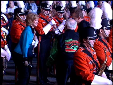 bob eubanks at the hollywood christmas parade on december 3 1995 - sfilata di natale di hollywood video stock e b–roll