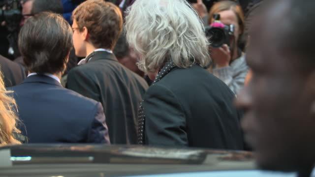 stockvideo's en b-roll-footage met bob geldof at gq men of the year awards on september 08 2015 in london england - bob geldof