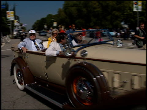Bob Hope at the Toluca Lake Parade with Bob Hope on May 20 1998