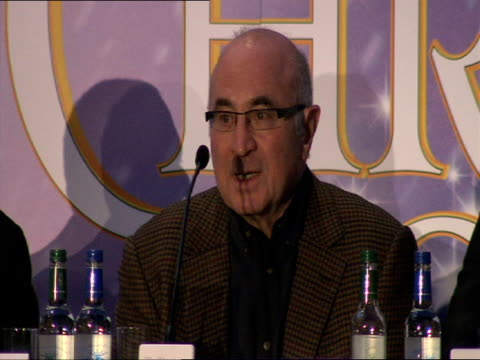bob hoskins on being the reverse of scrooge jim carrey on robert patterson at the a christmas carol press conference at london england - ebenezer scrooge stock videos & royalty-free footage