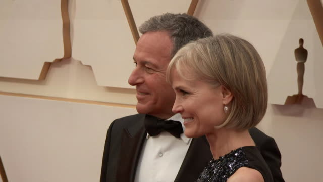 bob iger and his wife willow bay walking the red carpet at the 92nd annual academy awards at the dolby theater in los angeles, california. - music or celebrities or fashion or film industry or film premiere or youth culture or novelty item or vacations 個影片檔及 b 捲影像