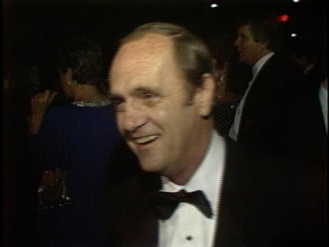 bob newhart at the emmy awards 1986 at pasadena civic auditorium - pasadena civic auditorium stock videos & royalty-free footage