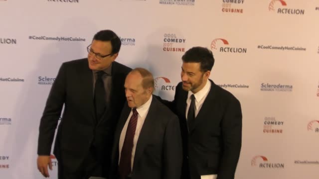 bob newhart, jimmy kimmell, and bob saget at the cool comedy - hot cuisine 30th annual benefit for the scleroderma research foundation at the beverly... - ボブ ニューハート点の映像素材/bロール