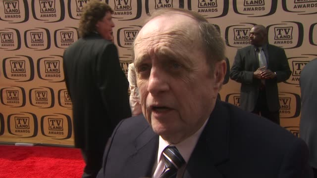 bob newhart on presenting an award tonight, on his favorite shows, and on fondest memories from 'the bob newhart show' at the 8th annual tv land... - ボブ ニューハート点の映像素材/bロール