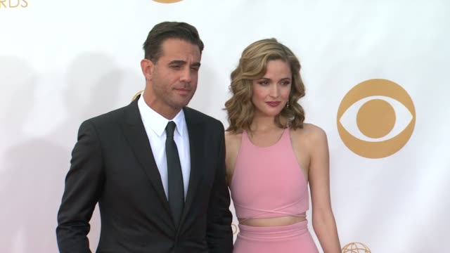 bobby cannavale rose byrne at 65th annual primetime emmy awards arrivals on 9/22/2013 in los angeles ca - annual primetime emmy awards stock-videos und b-roll-filmmaterial