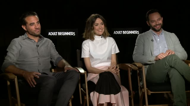 vídeos de stock e filmes b-roll de bobby cannavale, rose byrne & nick kroll on what it means to be an adult and bobby cannavale & rose byrne's relationship at 'adult beginners' los... - rose byrne