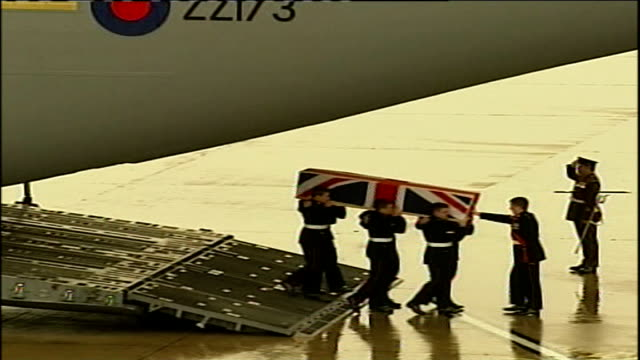 bodies of four british soldiers killed in iraq on remembrance sunday returned to britain england oxfordshire brize norton high angle view of soldiers... - oxfordshire stock videos & royalty-free footage
