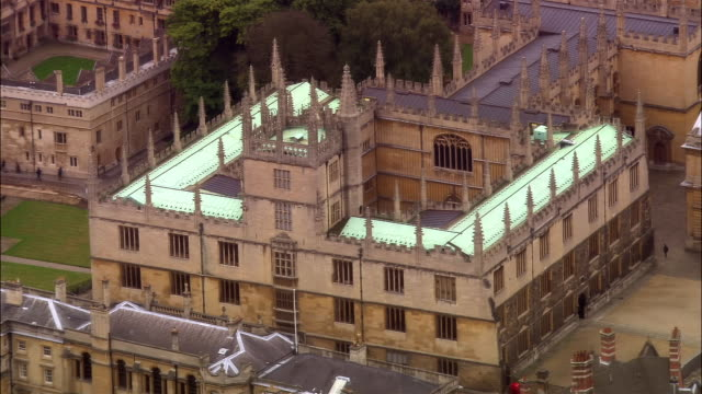 aerial, bodleian library, oxford, england - oxford university stock videos & royalty-free footage