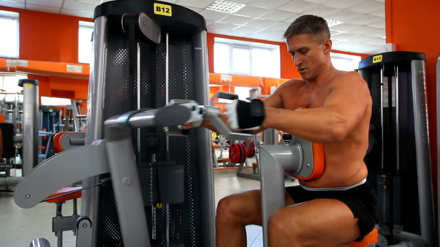 Body builder - Seated row