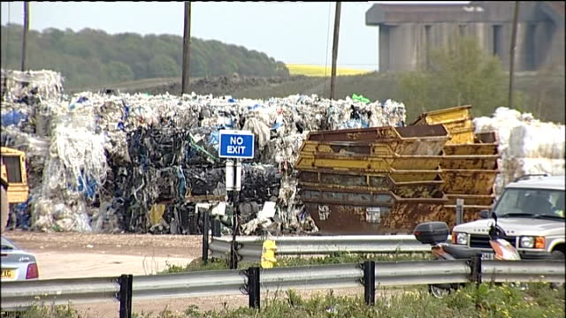 body of baby found at lincolnshire recycling plant england lincolnshire scunthorpe bell waste control recycling plant ext general views of bell waste... - リンカンシャー点の映像素材/bロール