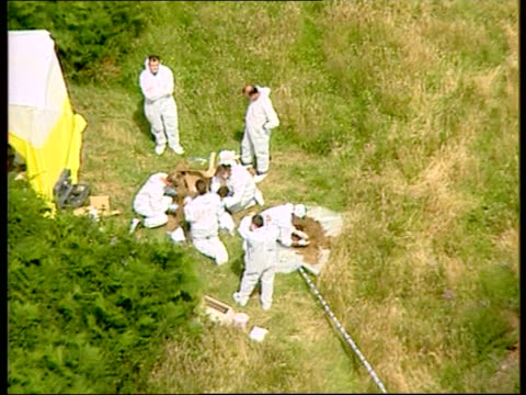 body of missing schoolgirl sarah payne found: police launch murder inquiry; england: west sussex: pulborough: ext reporter to camera air view police... - west sussex stock videos & royalty-free footage