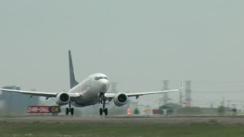 boeing 737 airplane taking off - moving activity stock videos & royalty-free footage