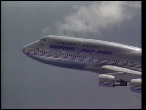 Boeing 747400 in Flight circa 1997