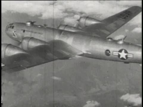boeing b-29 superfortresses drop bombs on targets during the korean war. - koreakriget bildbanksvideor och videomaterial från bakom kulisserna