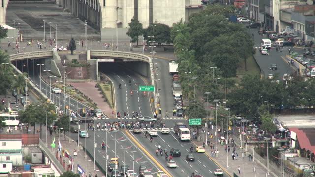 Bolivar Ave