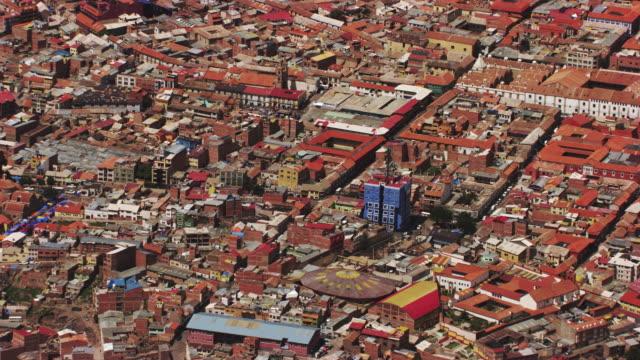 bolivia : wide city plan of potosi - bolivien stock-videos und b-roll-filmmaterial