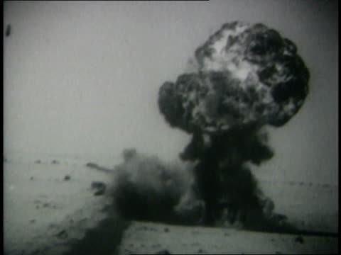 montage bombs exploding in the desert - sechstagekrieg stock-videos und b-roll-filmmaterial