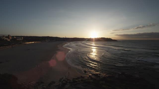 T/L WS Bondi Beach at sunrise / Sydney, Australia