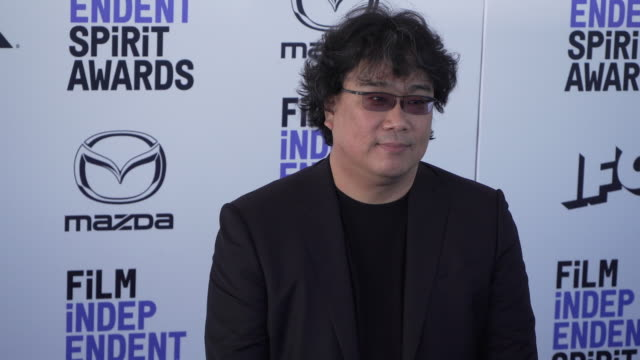 bong joon-ho at the 2020 film independent spirit awards on february 08, 2020 in santa monica, california. - film independent spirit awards stock videos & royalty-free footage