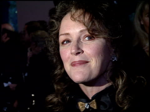 bonnie bedelia at the beverly hills hotel reopening at the beverly hilton in beverly hills, california on june 3, 1995. - beverly hills点の映像素材/bロール