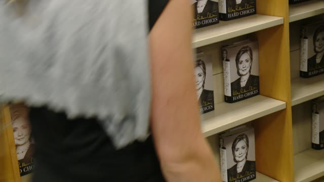 vídeos y material grabado en eventos de stock de atmosphere books at the hillary rodham clinton book signing at barnes noble bookstore at the grove on june 19 2014 in los angeles california - barnes & noble