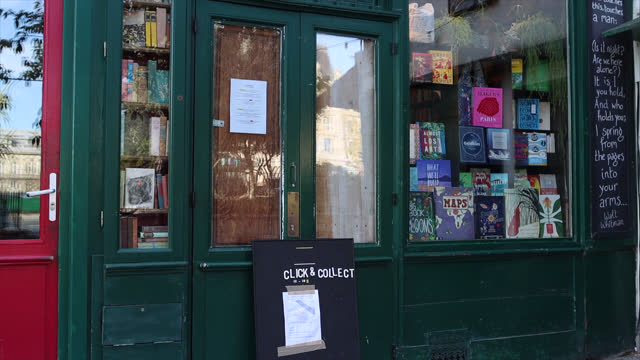bookstore closed except with click and collect, on second day of isolation on october 31, 2020 in paris, france. france imposed another national... - bookstore stock videos & royalty-free footage