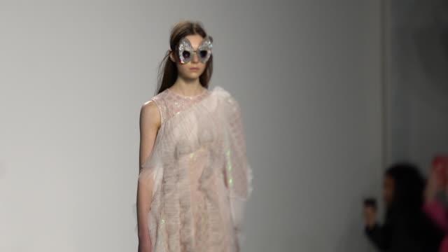slomo bora aksu london fashion week february 2019 bora aksu on february 15 2019 in london united kingdom - french overseas territory stock videos & royalty-free footage