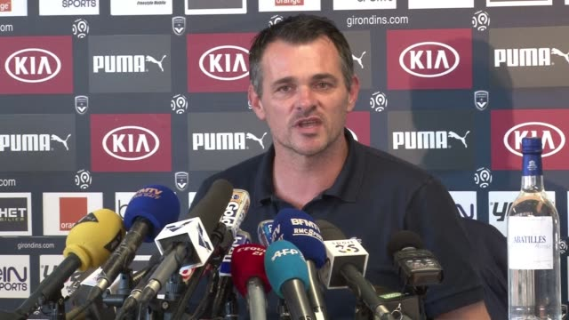 vídeos de stock e filmes b-roll de bordeaux football coach willy sagnol on thursday apologized for his remarks about the typical african player saying sorry if people were shocked... - símbolo ortográfico