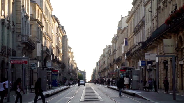 bordeaux-straße - aquitaine stock-videos und b-roll-filmmaterial