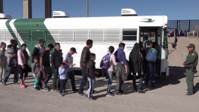 us border patrol agents engage with migrants entering the united states along the southwest border during march 2019 in texas and arizona - emigration and immigration stock videos & royalty-free footage