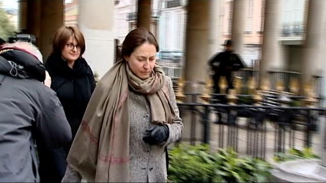inquest told berezovsky was depressed 25314 windsor guildhall elizaveta berezovskaya arriving at inquest ekatrina berezovskaya arriving at inquest - 実業家 ボリス・ベレゾフスキー点の映像素材/bロール