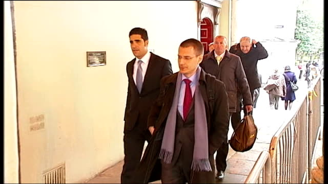 inquest told berezovsky was depressed slow motion shot michael cotlick arriving at inquest - 実業家 ボリス・ベレゾフスキー点の映像素材/bロール