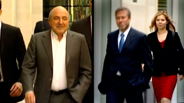 police say there is no evidence of third party involvement t31081232 / tx berezovsky arriving at court with others / slow motion roman abramovich... - 実業家 ボリス・ベレゾフスキー点の映像素材/bロール