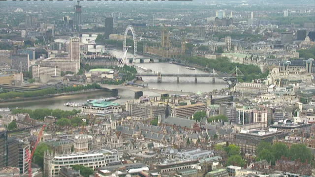 boris johnson accused of missing key target on plans to create affordable housing lib / 562012 river thames heading towards westminster from the city... - 被告人点の映像素材/bロール