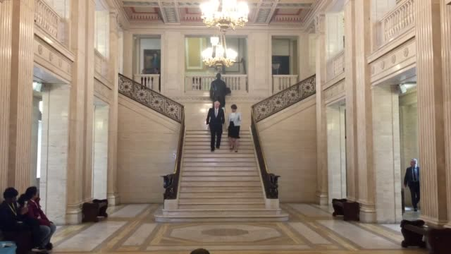 boris johnson and arlene foster at parliament buildings stormont belfast - ストーモント点の映像素材/bロール