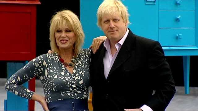 boris johnson and joanna lumley announce 'world's largest reuse network' england london southbank ext boris johnson joanna lumley photocall together... - joanna lumley stock videos & royalty-free footage