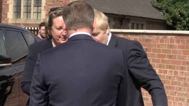 vídeos y material grabado en eventos de stock de boris johnson arrives for leadership hustings in darlington and refuses to be drawn on whether he was blocked from seeing intelligence reports while... - noreste de inglaterra