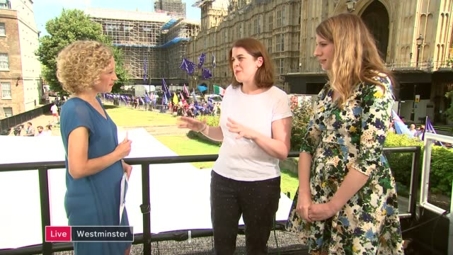 boris johnson becomes new prime minister and begins to name team england london westminster ext katy balls and helen lewis live discussion sot cathy... - cathy newman stock-videos und b-roll-filmmaterial