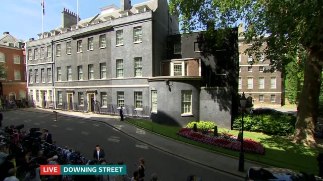 itv news special 1400 1500 england london downing street gvs press outside no 10 - image manipulation stock videos and b-roll footage