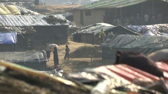 Boris Johnson calls on Aung Saan Suu Kyi to help Rohingya refugees T25101738 / TX Cox's Bazar District Ukhia Upazila Kutupalong refugee camp EXT Wide...
