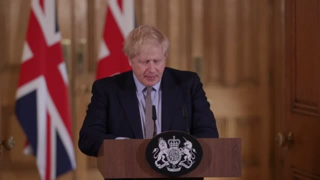 """vídeos y material grabado en eventos de stock de boris johnson has said it is """"highly likely"""" the number of coronavirus cases in the uk will rise. the prime minister, speaking during a press... - boris johnson"""