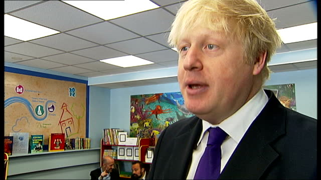 boris johnson helps launch reading festival boris johnson interview sot re mr toad character close up shot title page for 'wind in the willows' on e... - reading and leeds festivals stock videos & royalty-free footage