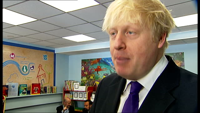 boris johnson helps launch reading festival; boris johnson interview sot - reading and leeds festivals stock videos & royalty-free footage
