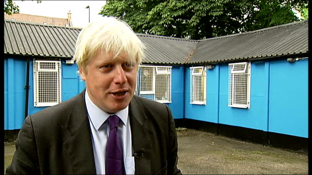 vídeos de stock, filmes e b-roll de ext boris johnson interview sot this isn't going to be enough to stop knife crime nobody in their right mind would suggest expanding ping pong clubs... - self discipline