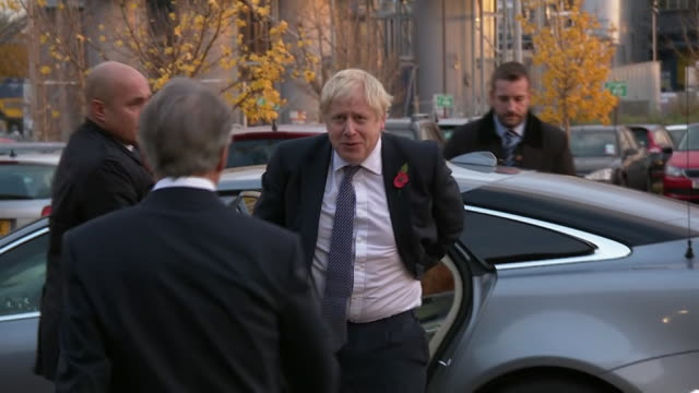 boris johnson on the general election campaign trail - allgemeine wahlen stock-videos und b-roll-filmmaterial