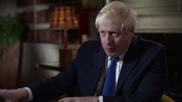boris johnson on wanting a canada style comprehensive economic and trade agreement with the european union - ボリス・ジョンソン点の映像素材/bロール