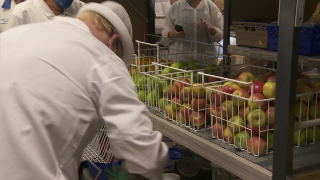boris johnson pm, in hospital kitchen in berkshire, to promote better standards of hospital food - healthy eating stock videos & royalty-free footage