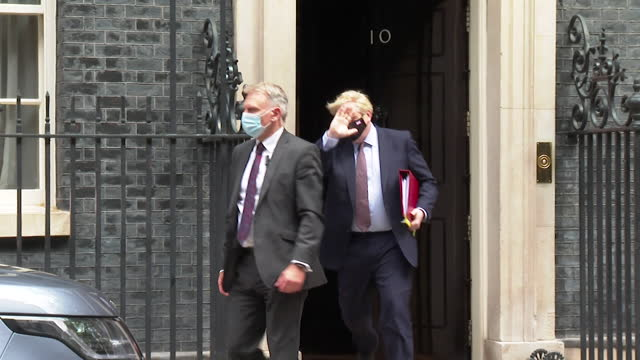 boris johnson pm leaves 10 downing street to go to prime minister's questions on day dominic cummings gives evidence to select committee on... - choice stock videos & royalty-free footage