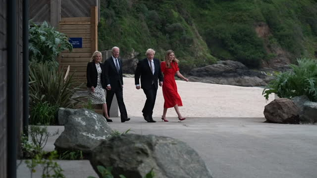 boris johnson pm, us president joe biden, and their wives carrie symonds and first lady jill biden, on walkabout at carbis bay, cornwall, before... - waterfront stock videos & royalty-free footage