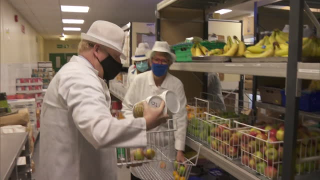 boris johnson pm, visits hospital in berkshire, to promote healthy hospital food - 1.mov - healthy eating stock videos & royalty-free footage